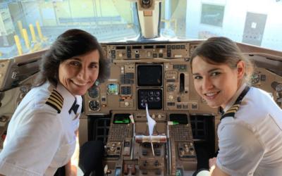 Mãe e filha ao comando de um avião da Delta Airlines. Que relação terá isto com a Excelformação?